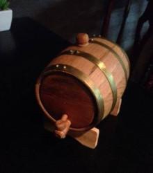 JR茨木駅前BAR FIGAROのウィスキー樽「ウィスキー樽(Oak barrel for whisky)」