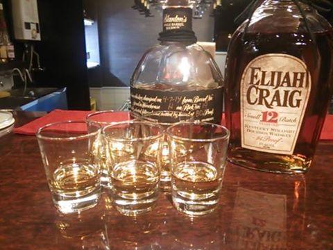 JR茨木駅前BAR FIGAROのイベント「バーボン飲み比べ(Bourbon Drinking Game)」